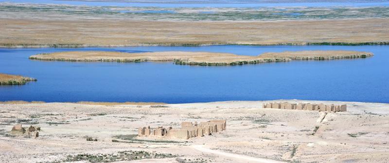Остатки поселка Урга на берегу озера Судочье