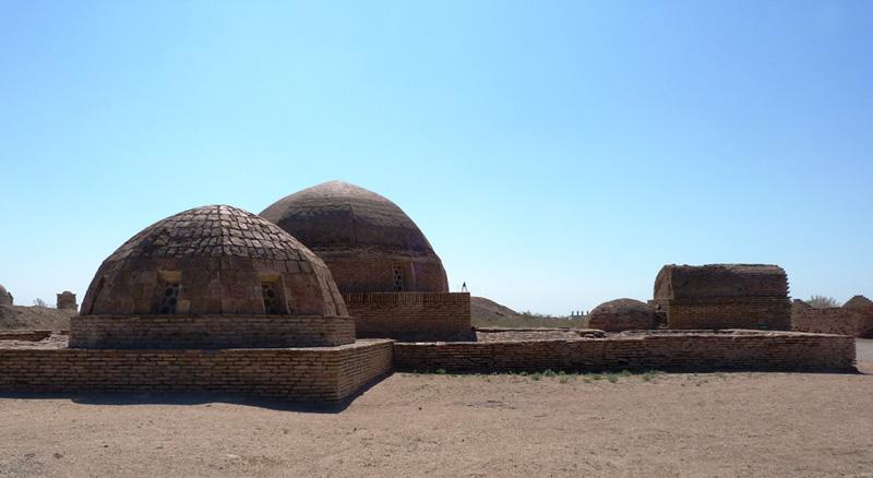 Купола мавзолея Нузлумхан Сулу