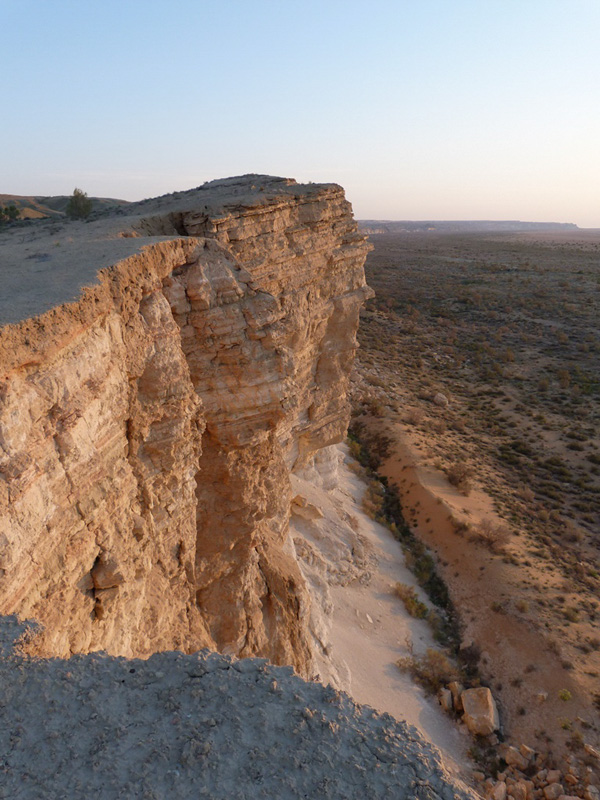 холмы, скалы
