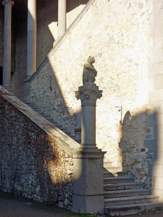 Замок Браччано