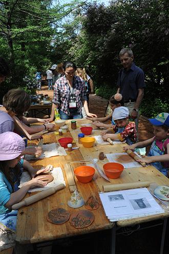Мастер-класс по лепке и росписи глиняных колокольчиков