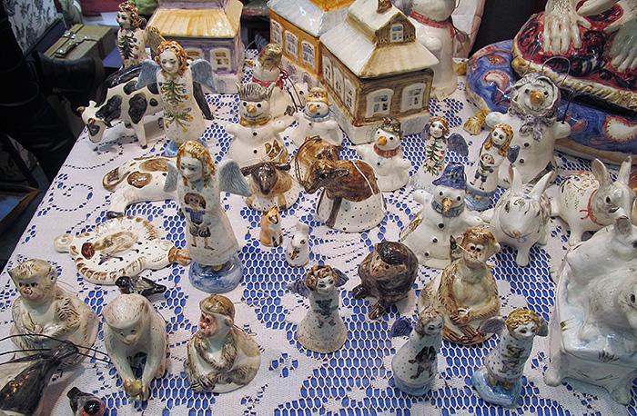 Рождественская выставка подарков на Крымском валу
