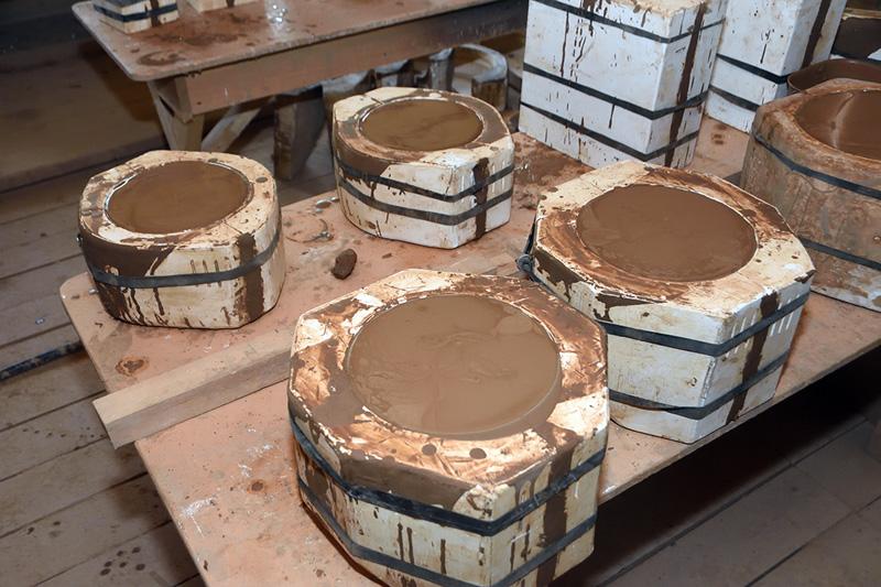 В мастерской. Куракинская керамика