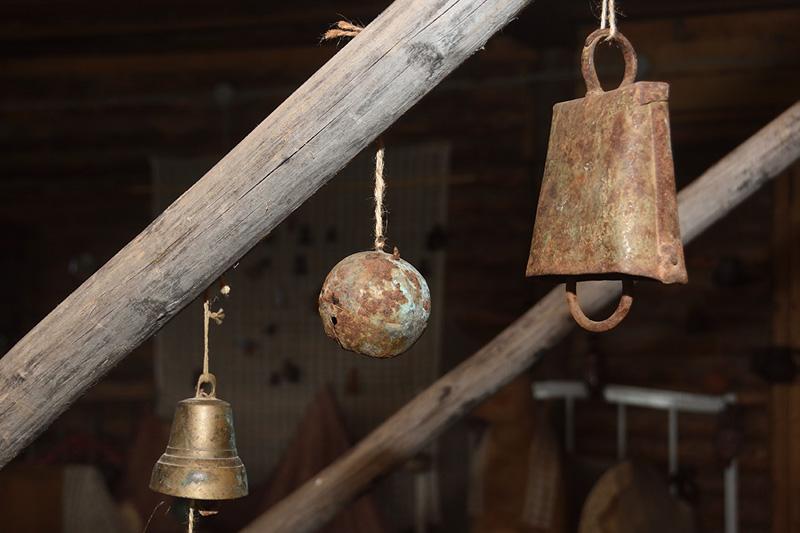Музей деревенского быта. Колокольчики