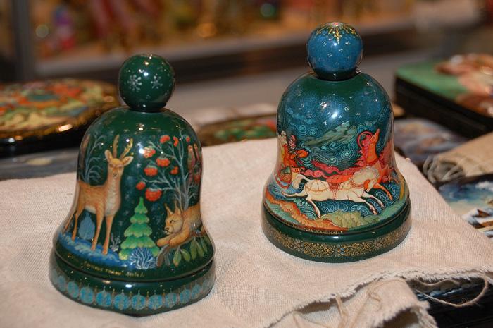 Колокольчики в традициях мстёрской лаковой миниатюры. Ладья 2012