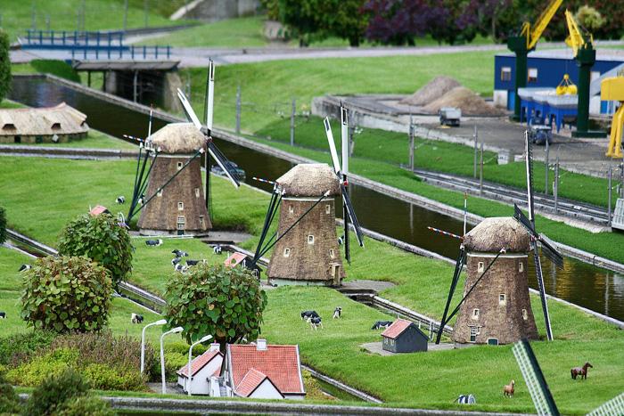 Мельницы в парке миниатюр Мадюродам