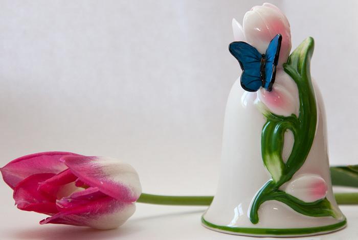 Колокольчик с тюльпанами