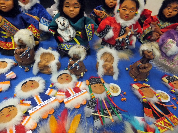 На фестивале народных промыслов Жар-птица. Куклы-шаманы, колокольчики