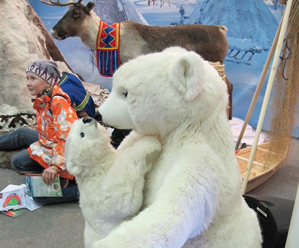 На фестивале народных промыслов Жар-птица. Мама с медвежонком