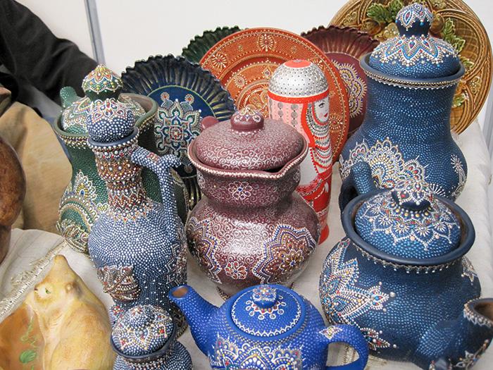 На фестивале народных промыслов Жар-птица. Керамика с точечной росписью