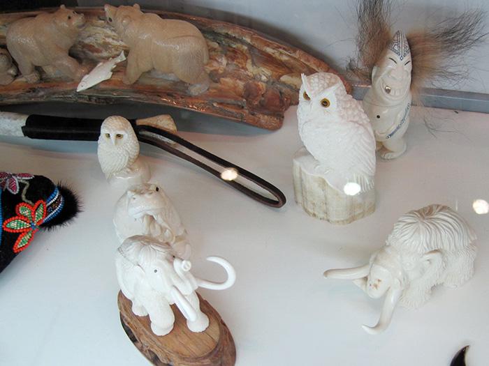На фестивале народных промыслов Жар-птица. Изделия из кости